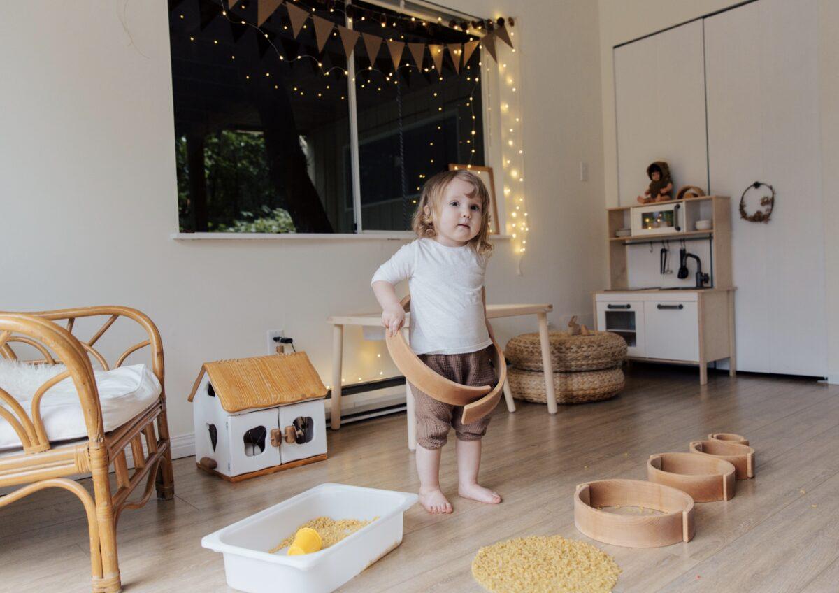 jak-wzmacniać-rozwój-dziecka-przez-zabawę-podpowiada-psycholog-dziecięcy-1200x848.jpeg